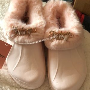 🌸🌸🌸NWT JUICY COUTURE SLIP ON CROC LIKE SHOES